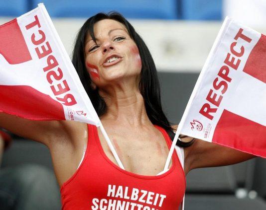 austria-female-fans-2-euro-2016