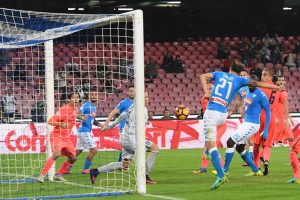 Napoli's defender Vlad Chiriches, right, scores the 2-0 goal during the Italian Serie A soccer match between SSC Napoli and FC Empoli at San Paolo stadium in Naples, Italy, 26 October 2016. ANSA / CIRO FUSCO