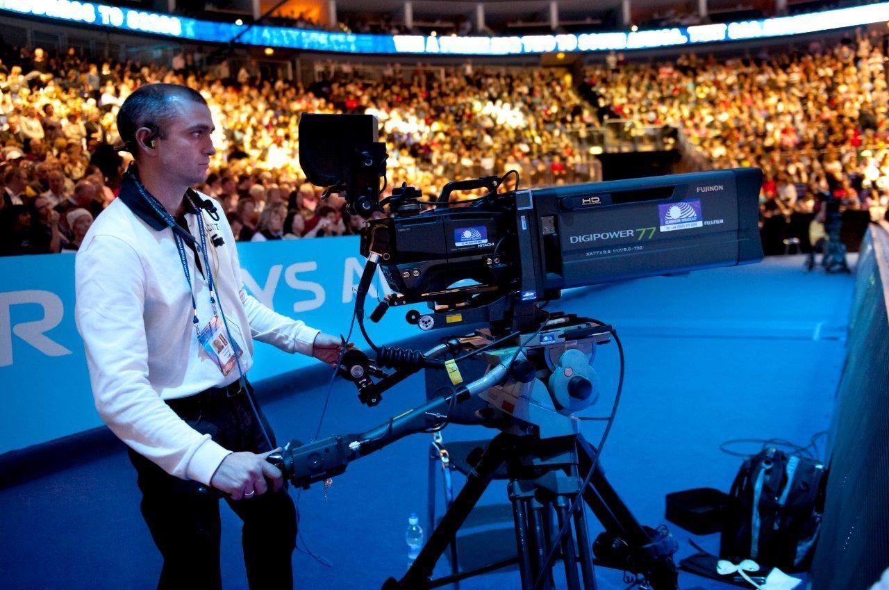 Fotbalul, tenisul si baschetul impart din nou scena in randul transmisiunilor live