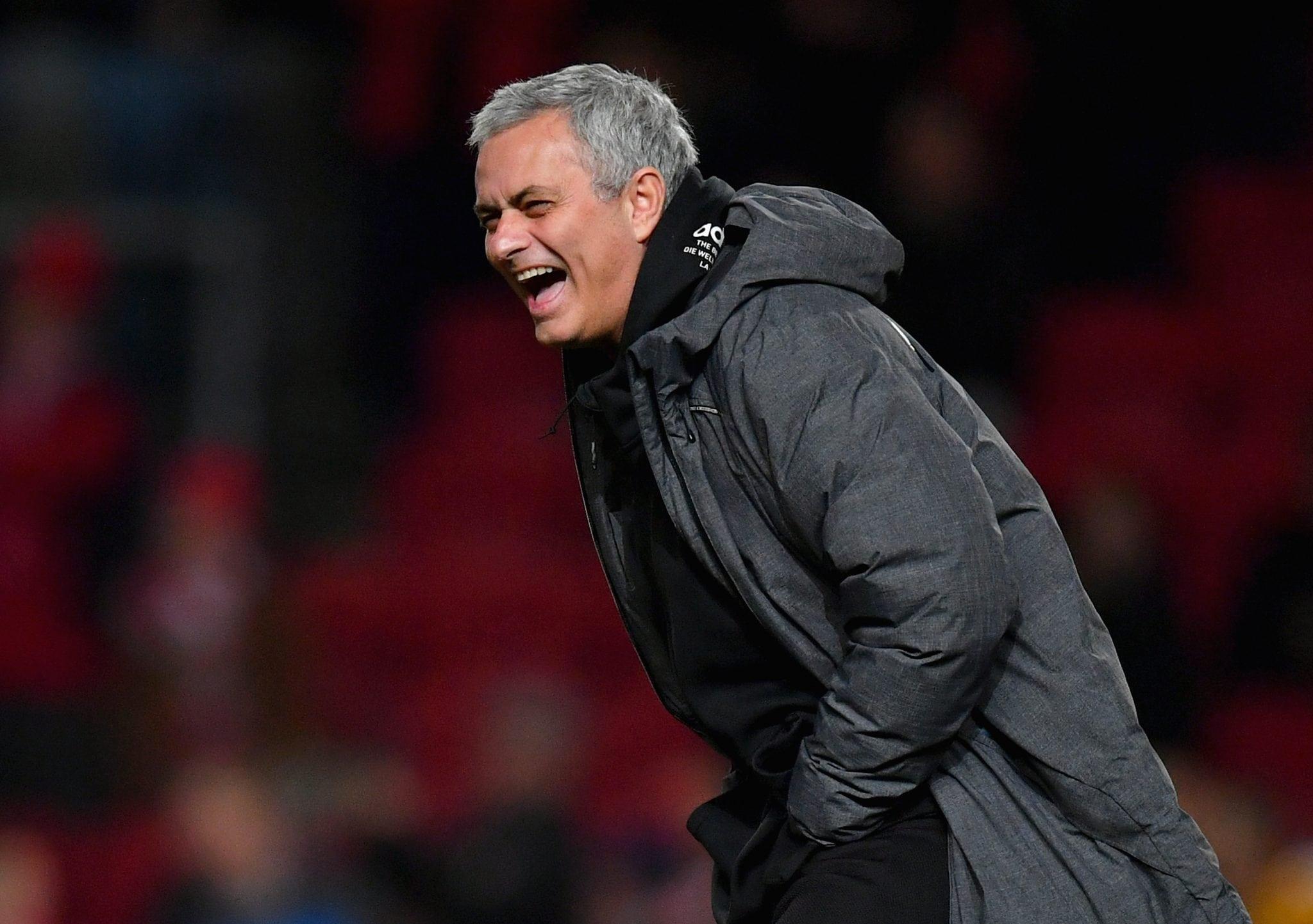 "VIDEO: Jose Mourinho s-a facut de RUSINE pe Wembley! Incredibila ipostaza cu ""The Special One""!"