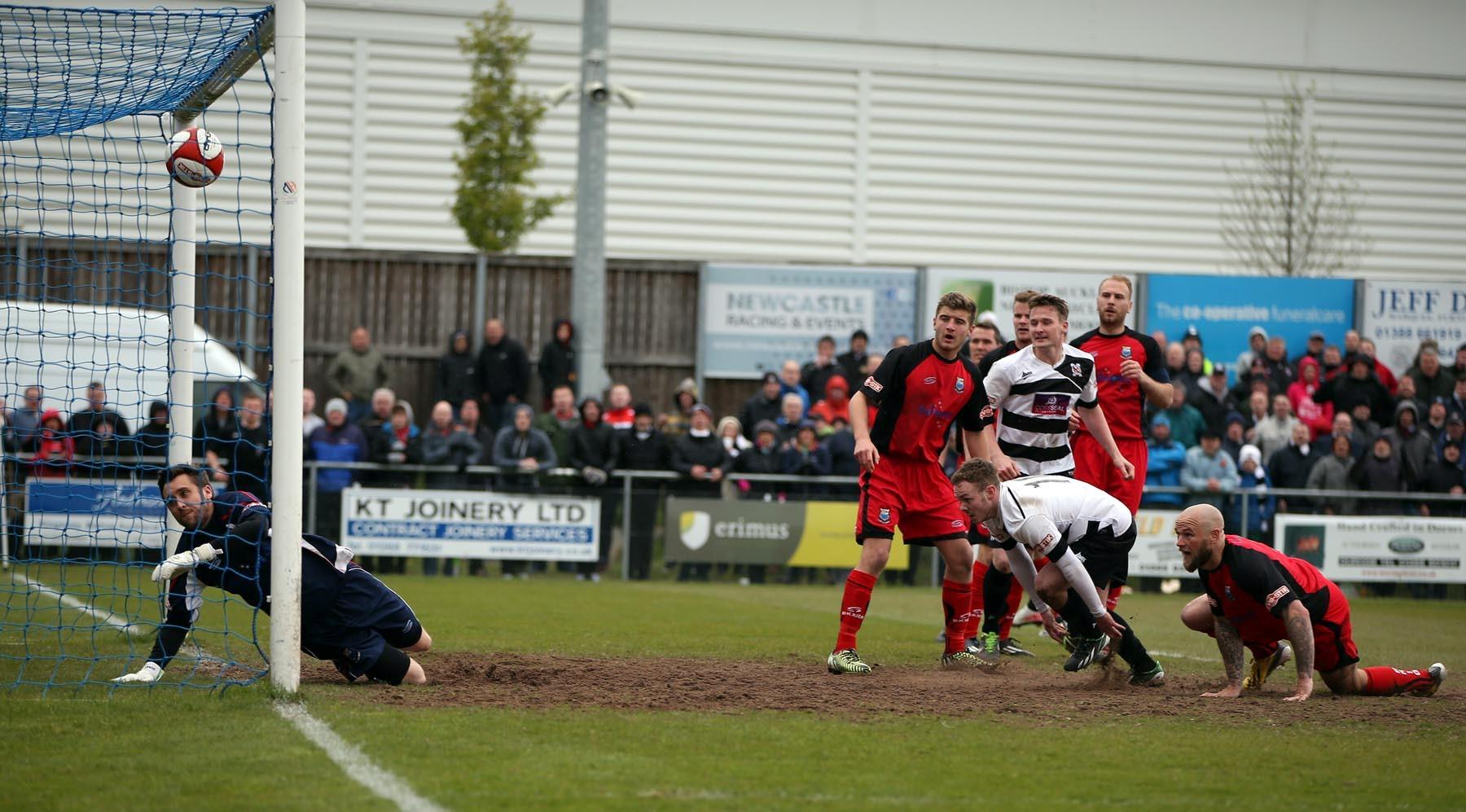 """Darlington – Chester: singurul meci al zilei din fotbalul englez ne """"rezerva"""" goluri de ambele parti   Recomandam cota 2.80"""